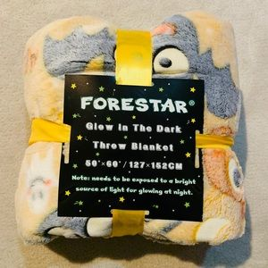NEW Forestar Glow in The Dark Blanket 50x60
